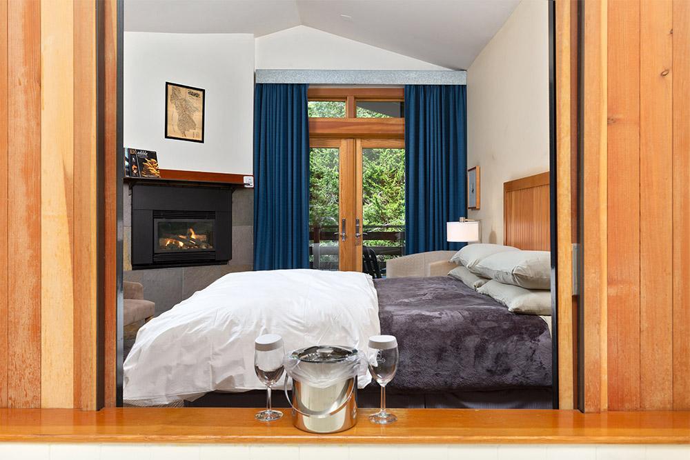 lodge premium bedroom barn door